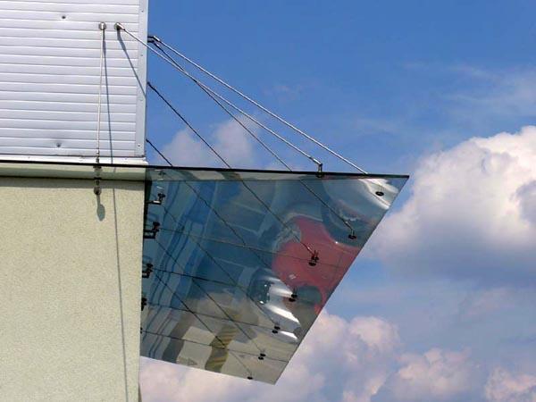 Konstrukcja ze szkła hartowanego Lidl - Skawina